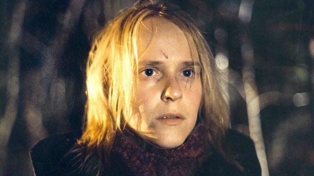 Leea Klemolan näyttelemä Eevi elokuvassa Neitoperho on kaukana perinteisestä kiltin tytön hahmosta.
