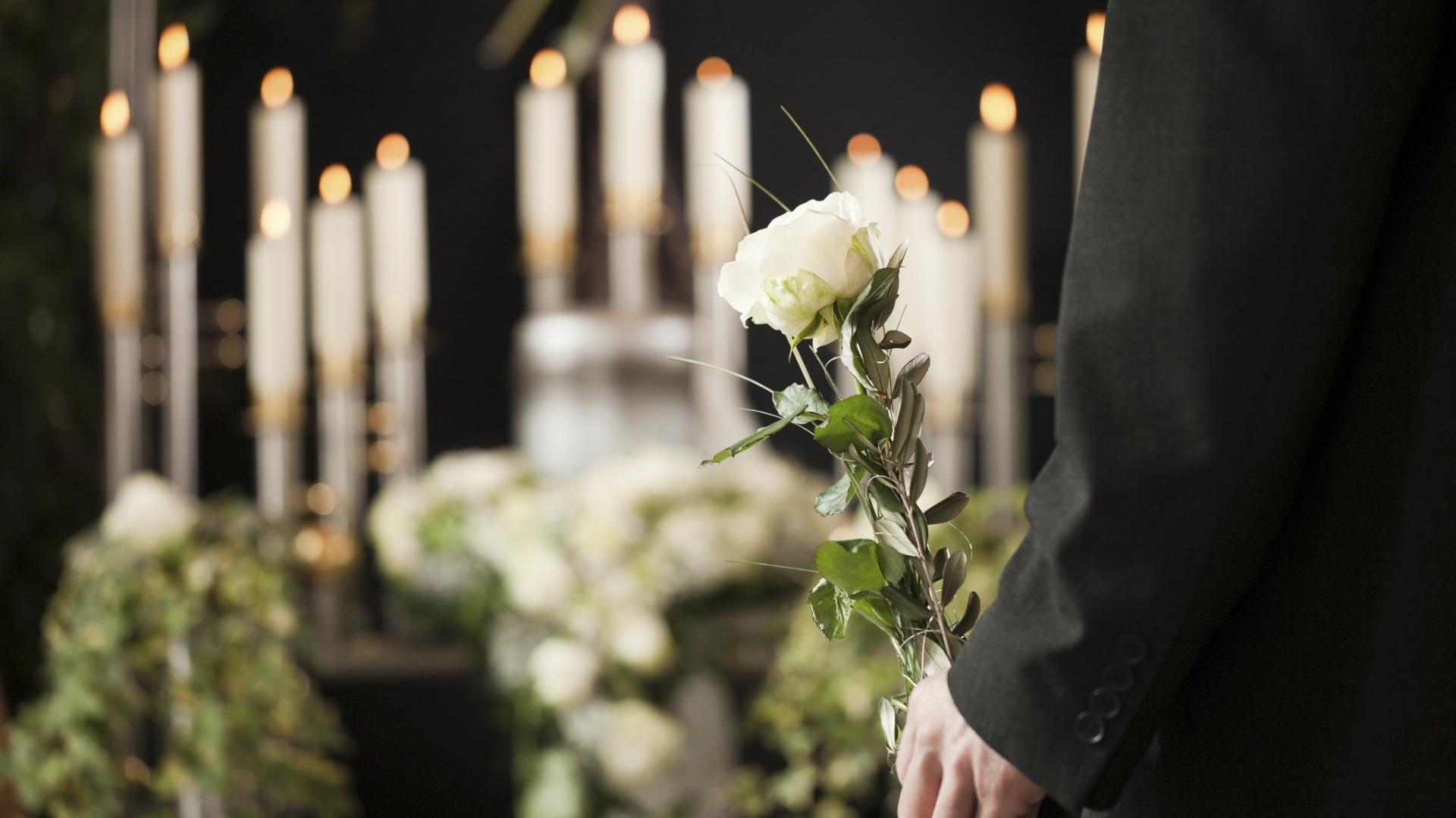 Hautajaiset ovat yksi tärkeimmistä sururituaaleista.