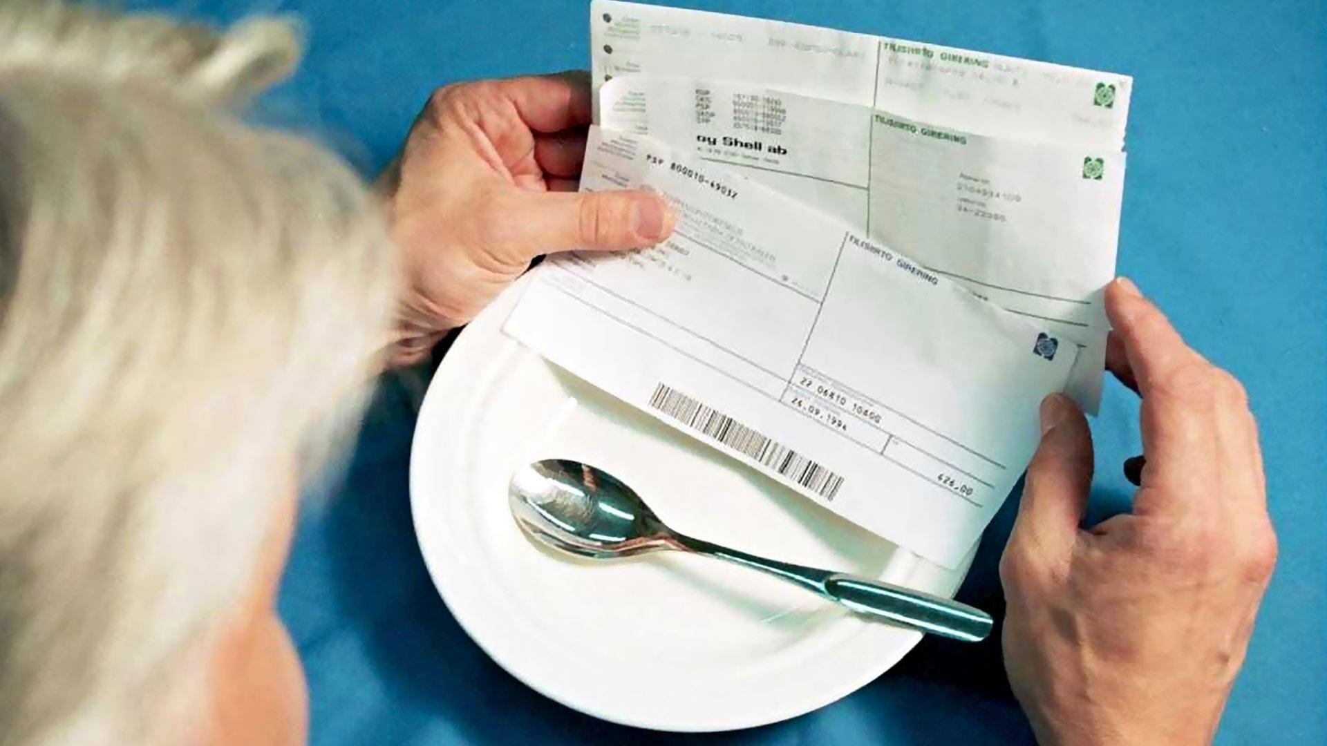 Lyhennysvapaita ja maksuerien pienentämistä voi hakea asuntolainoihin ja luottokortteihin.