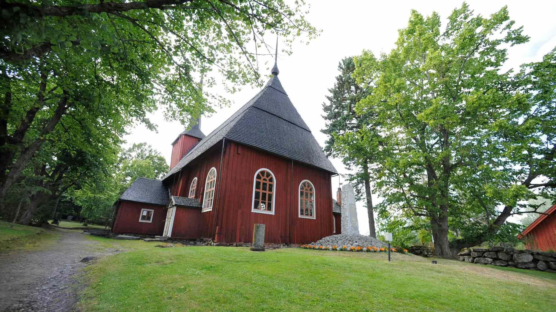Kuningas Kaarle XII:n äidin mukaan nimetty Ulrika Eleonoran kirkko valmistui vuonna 1700.