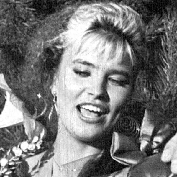 Arja Koriseva, tangokuningatar vuodelta 1989.