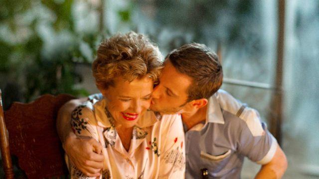 Annette Bening ja Jamie Bell näyttelevät elokuvanFilmitähdet eivät kuole Liverpoolissa pääroolit.
