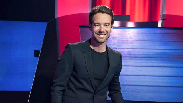 Mikko Leppilampi toimii Jahti -visailuohjelman juontajana.