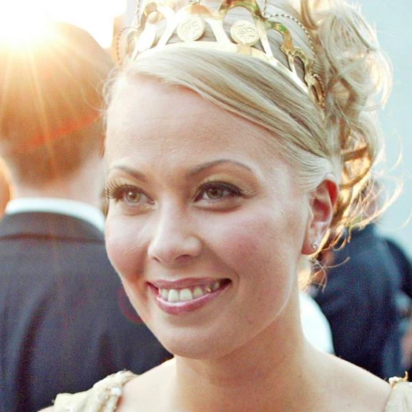 Johanna Pakonen, tangokuningatar vuodelta 2002.