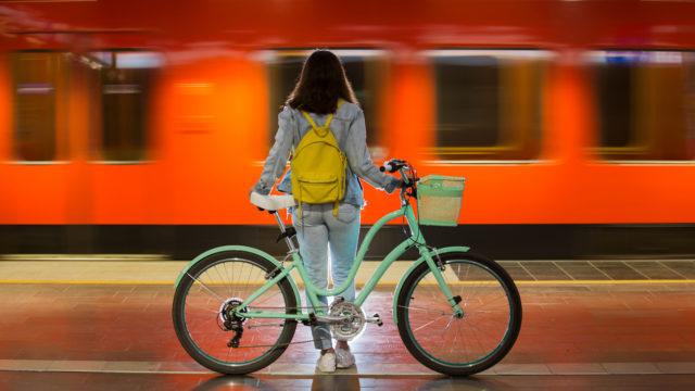 Moni nuori toivoo itselleen pyörää. Kaikilla perheillä ei ole varaa hankki sellaista.