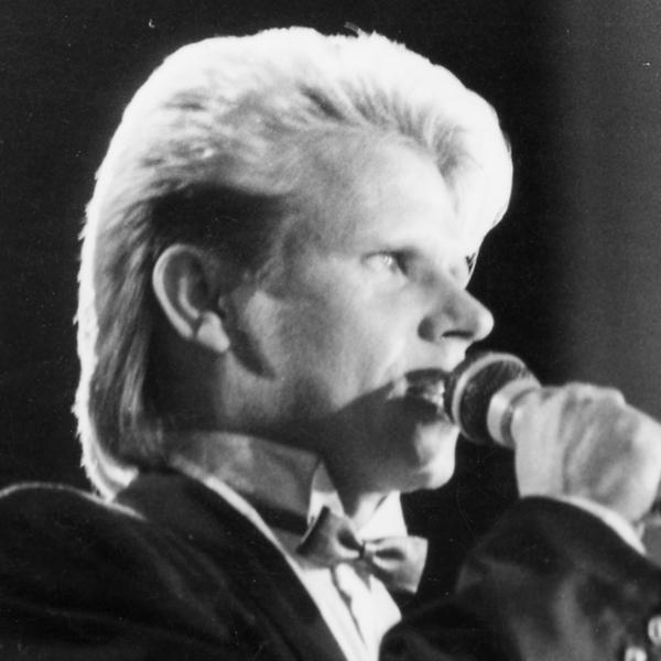 Teuvo Oinas, tangokuningas vuodelta 1986.