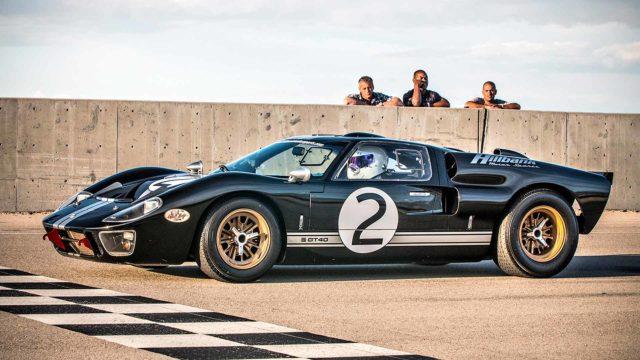 Matt LeBlanc, Chris Harris ja Rory Reid juontavat uusia jaksoja sarjassa Top Gear.