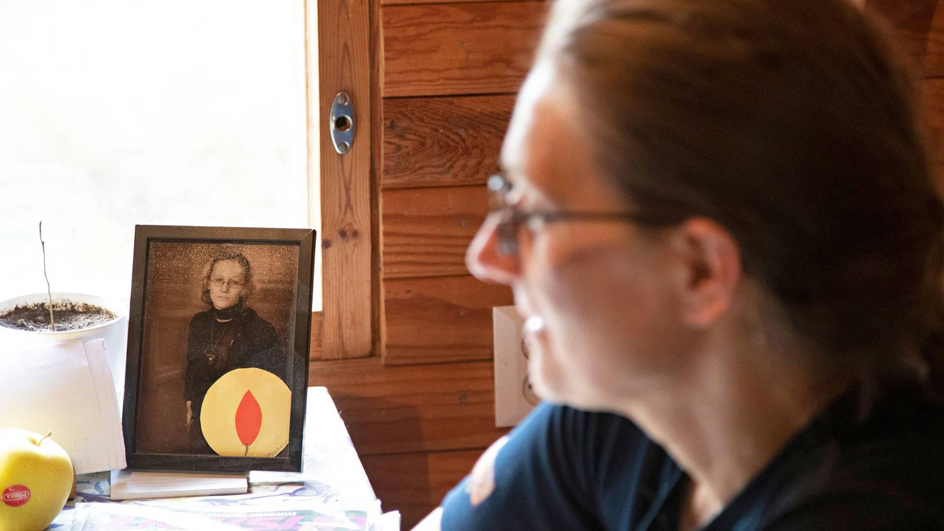 Laura Hyvönen suree yhä sitä, ettei hän pystynyt auttamaan enempää Marianne-tytärtään.