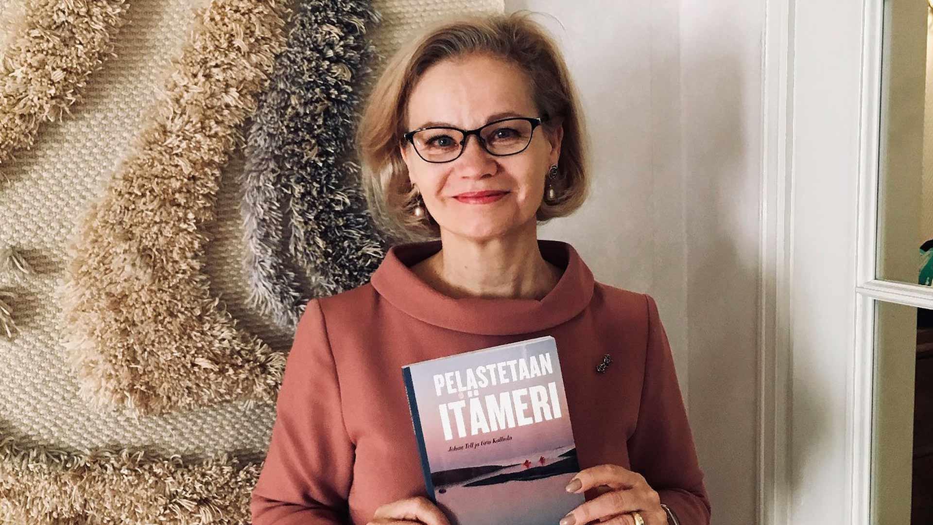 Helena Tuuri on toiminut Itämeri-suurlähettiläänä vuodesta 2018. Ennen sitä hän toimi Suomen Prahan suurlähettiläänä.