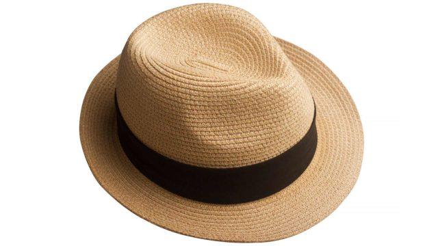 Kalju päälaki on syytä suojata joko aurinkosuojavoiteella tai vaatetuksella, kuten lakilla.