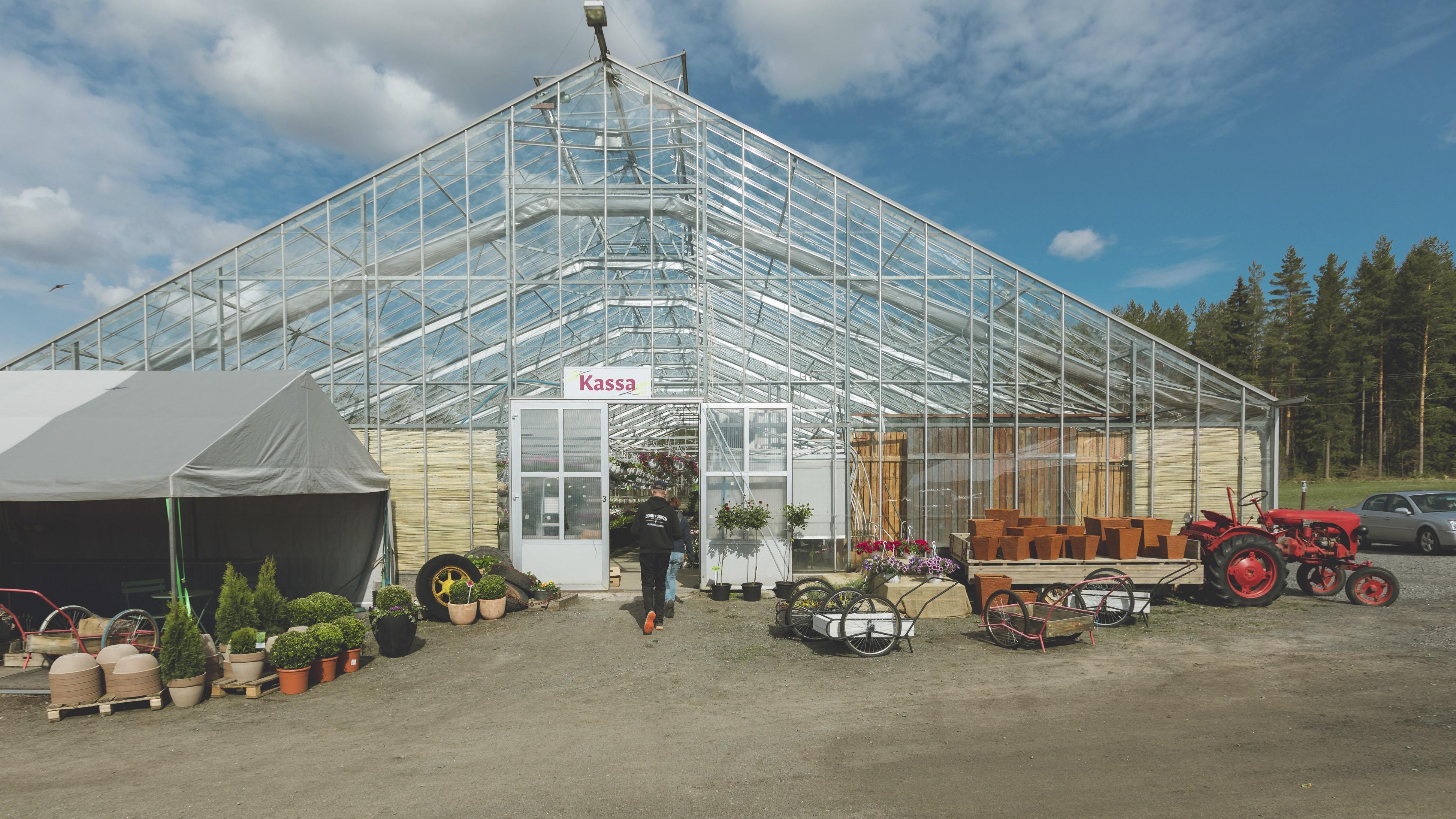 Kauppapuutarha Honkasen puutarhalla viljellään kasveja runsaan puolen hetraarin kokoisella tilalla.