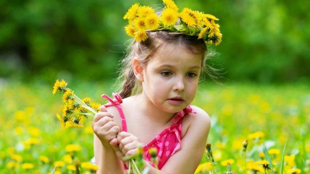 Päivystykseen on syytä hakeutua, jos pisto osuu kaksivuotiaaseen tai heikkokuntoiseen ikäihmiseen.