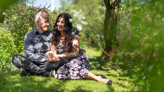 Anna ja Jarkko Kokkonen ovat olleet yhdessä pian 23 vuotta. Annasta tuntuu, että seurustelu alkoi sillä hetkellä, kun Jarkko pyysi hänen puhelinnumeroaan.