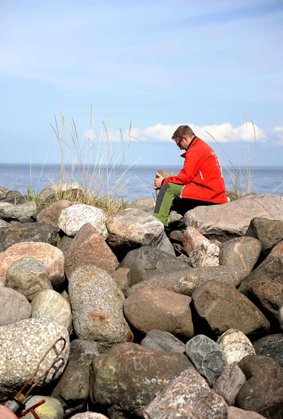 Maa kohoaa Perämerellä noin 90 senttiä 100 vuodessa. Vielä 1500-luvulla Maakallasta pilkisti vain jokunen kivi.