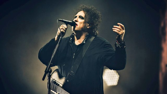 Glastonbury 2019. Kuvassa The Curen laulaja Robert Smith.
