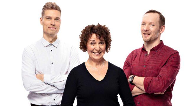 Anneli Ranta,Tero Tiittanen jaJarkko Nyman näyttelevät Pihlajasatu -draaman vaihtoehtotodellisuudessa.