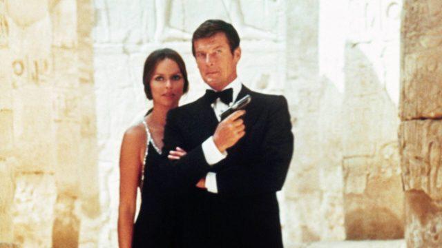 Roger Moore elokuvassa007 – rakastettuni