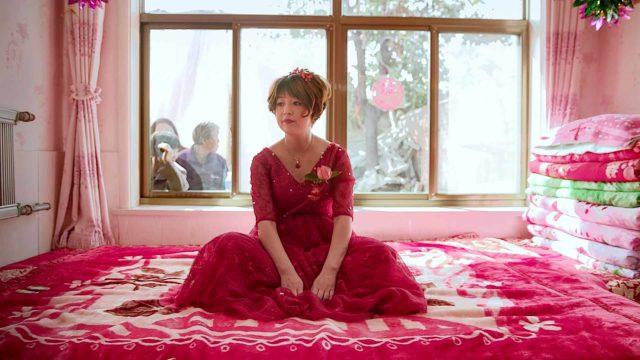 Leftover Women: Korkeakoulutetut kiinalaisnaiset joutuvat alistumaan epätoivoiseen miesjahtiin, koska vasta avioliitossa nainen on täydellinen.
