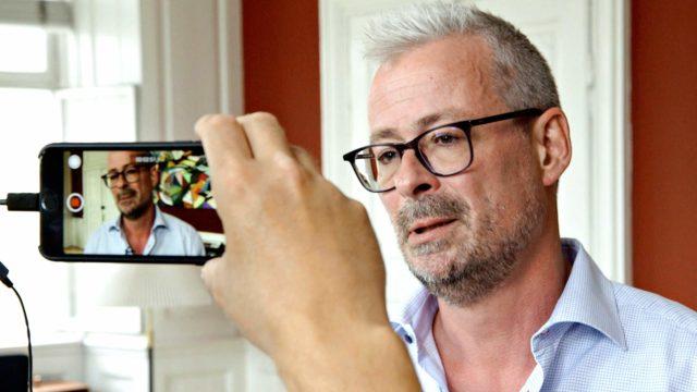 Antropologian professori Rane Willerslev kuusiosaisessa dokumentissaRanen museo.
