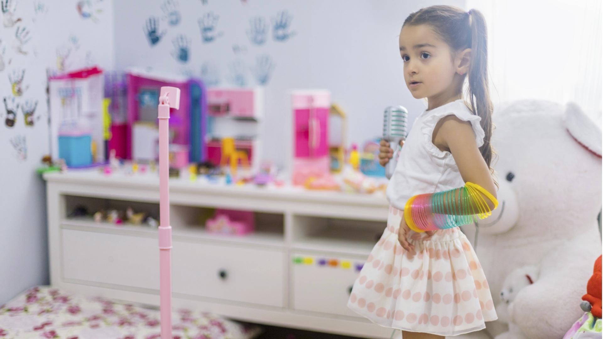 Disneyn elokuvissa keskeinen musiikki voi olla pienille lapsille hyvinkin voimauttavaa ja hauskaa. Laulaminen ja tanssiminen on fyysistä ja aktiivista tekemistä, jota lapset mielellään matkivat.