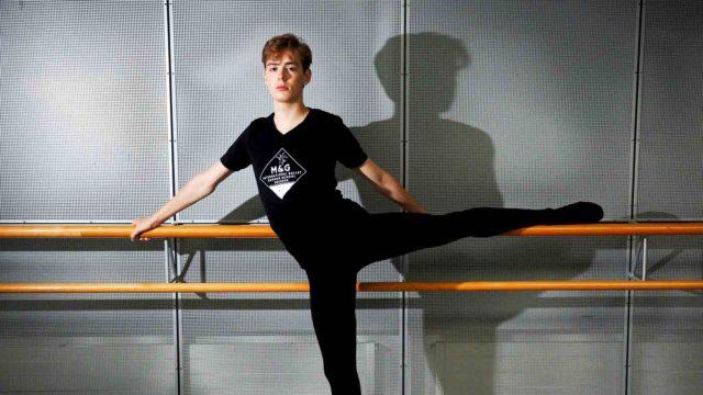 Marko Juusela kiinnitettiin Mariinski-teatteriin vuosi sitten. Mariinskissa esitetään viisi balettia viikossa, ja yleisön rakastama Joutsenlampi on aina ohjelmistossa.