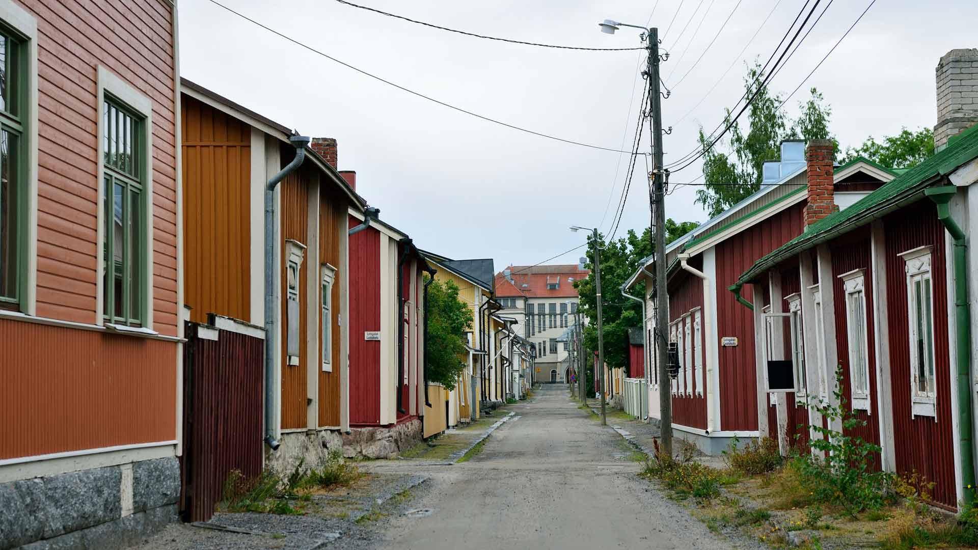 Skata on yksi Suomen parhaiten säilyneistä puutalokaupunginosista.