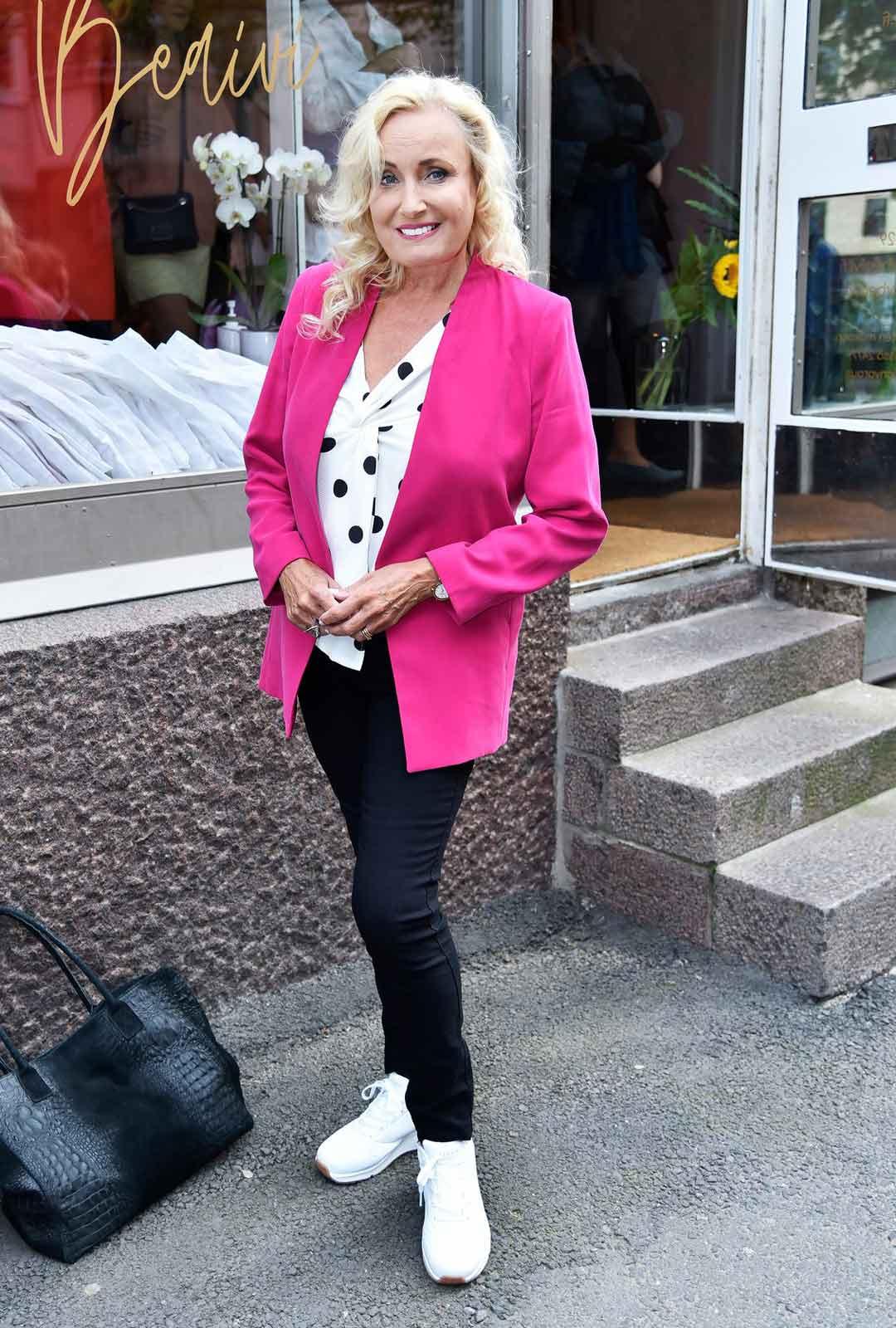 Laulaja Sonja Lummekoki menetyksen kesäkuussa.