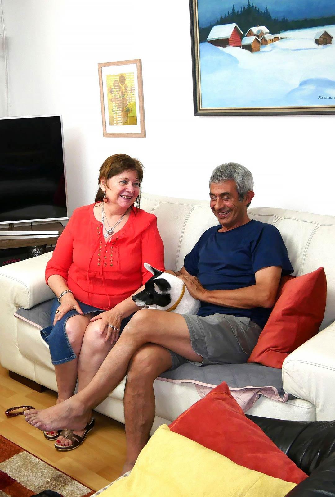 Eliana Ibacaxelag ja Jaime Meneses ovat eläkeläiselämäänsä melko tyytyväisiä omassa talossaan Santiagon esikaupunkialueella.