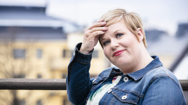 Annika Saarikko tavoittelee keskustan puheenjohtajuutta.