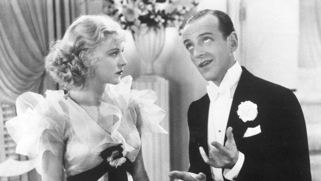 Tanssijanäyttelijät Fred Astaire ja Ginger Rogers elokuvassaContinential – hupainen avioero.