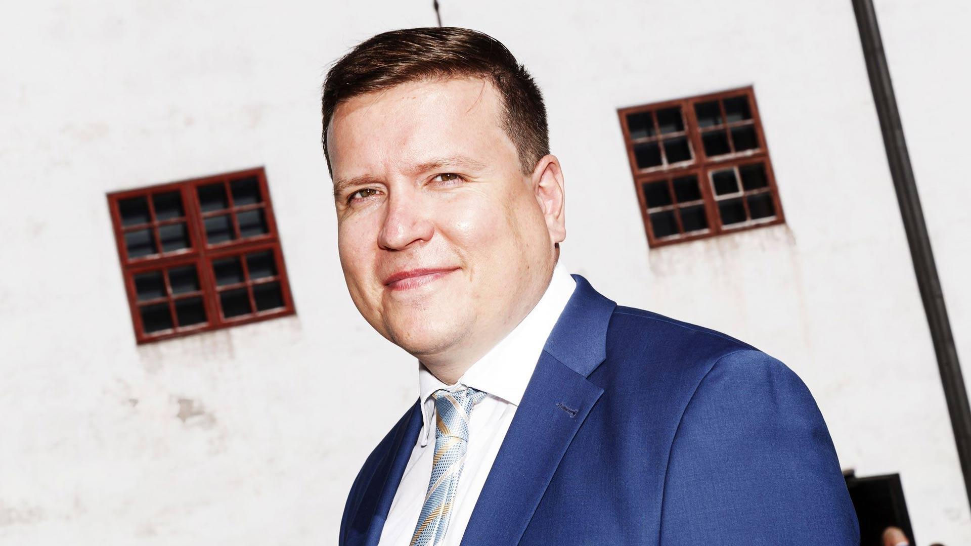Perussuomalaisten eduskuntaryhmän puheenjohtajasta Ville Tavio ja vauvatalkoot