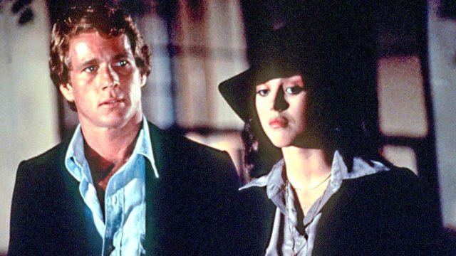 Ryan O'Neal on Kuski ja Isabelle Adjani Peluri elokuvassa Keikkakuski.