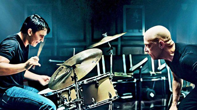 J.K. Simmons (oik.) ja Miles Tellerin (vas.) elokuvassa Whiplash.