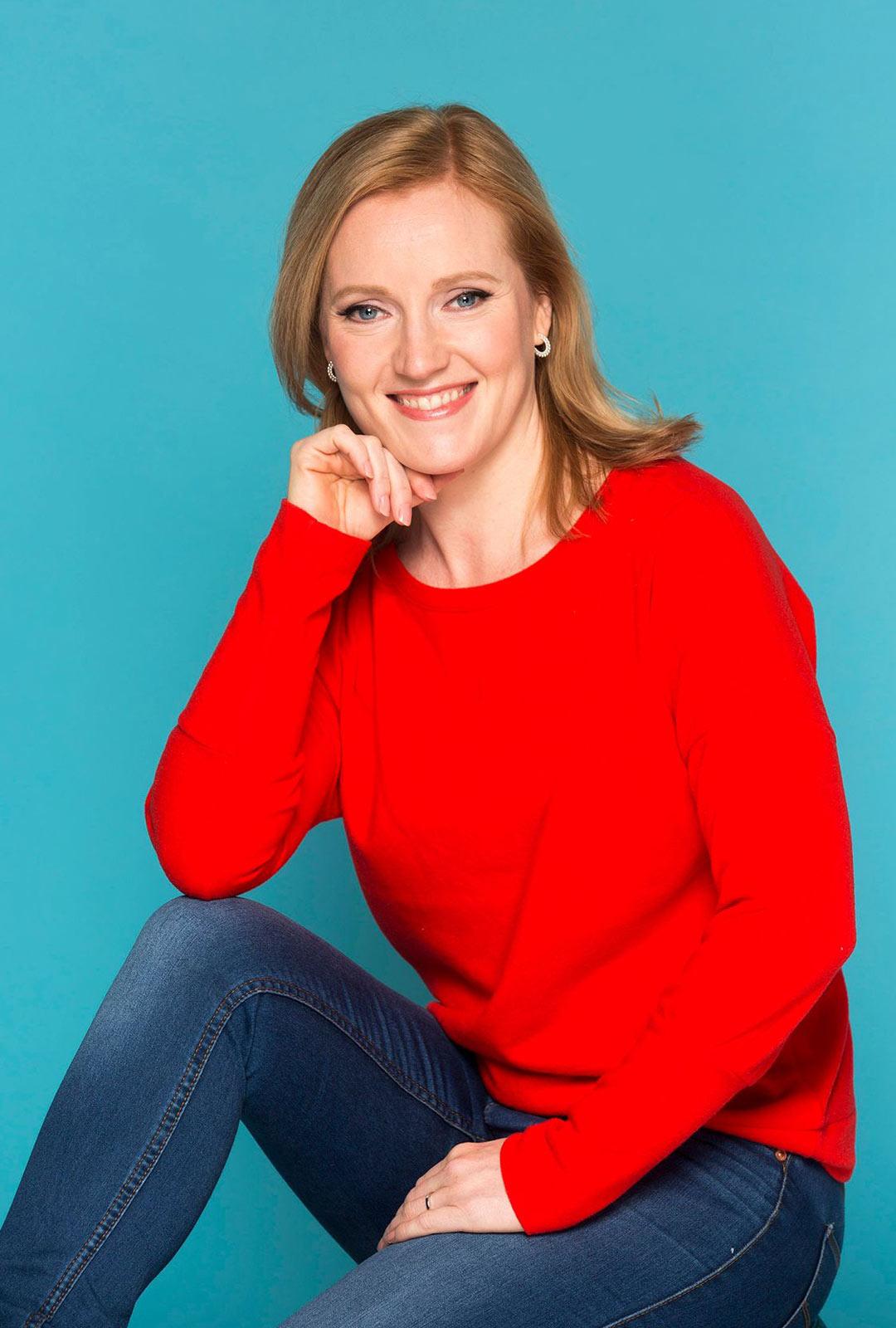 Kouluttaja ja kirjoittaja Suvi Bowellan