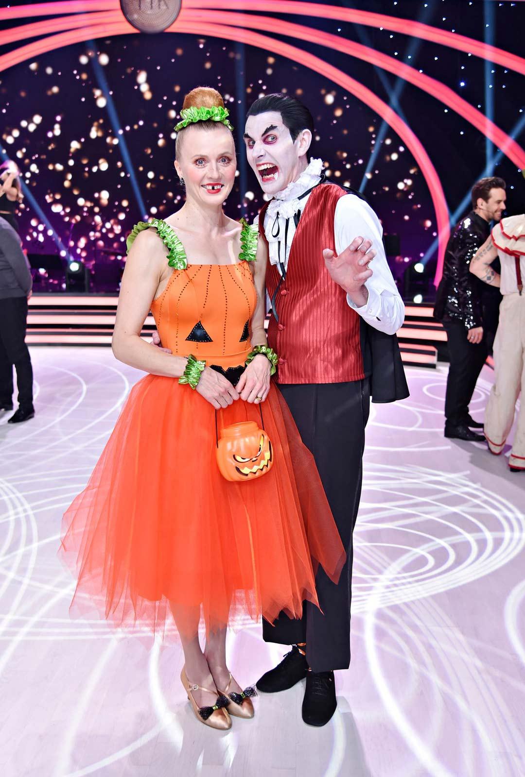 Virpi Sarasvuo ja tanssinopettaja Sami Helenius.