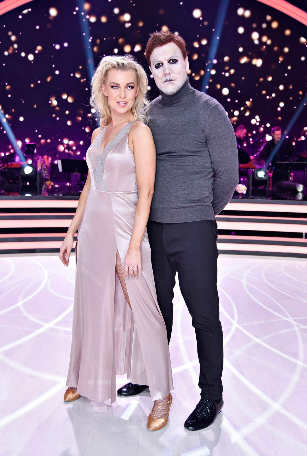 Ex-kiekkotähti Niklas Hagman ja tanssinopettaja Kia Lehmuskoski.