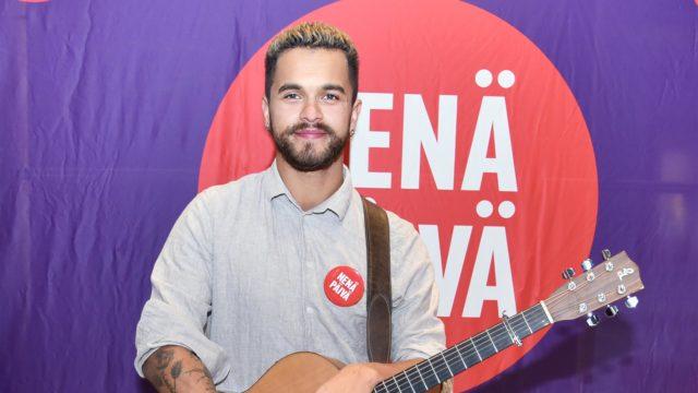 Laulaja Pete Parkkonen