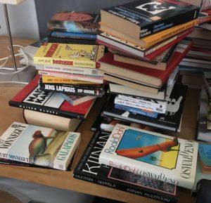 Minimalisti ei haluaisi luopua kirjoista.