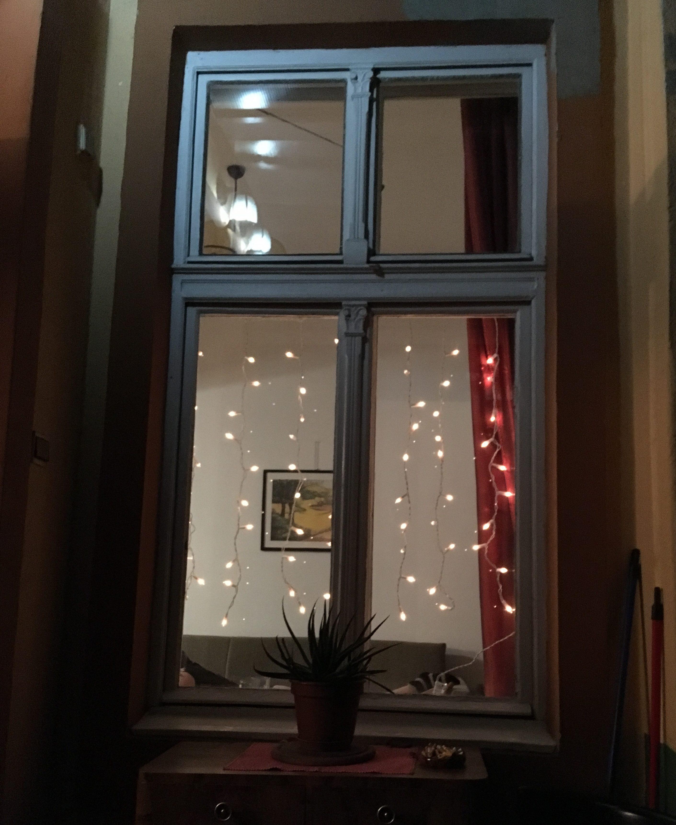 Jouluvalot Ikkunaan